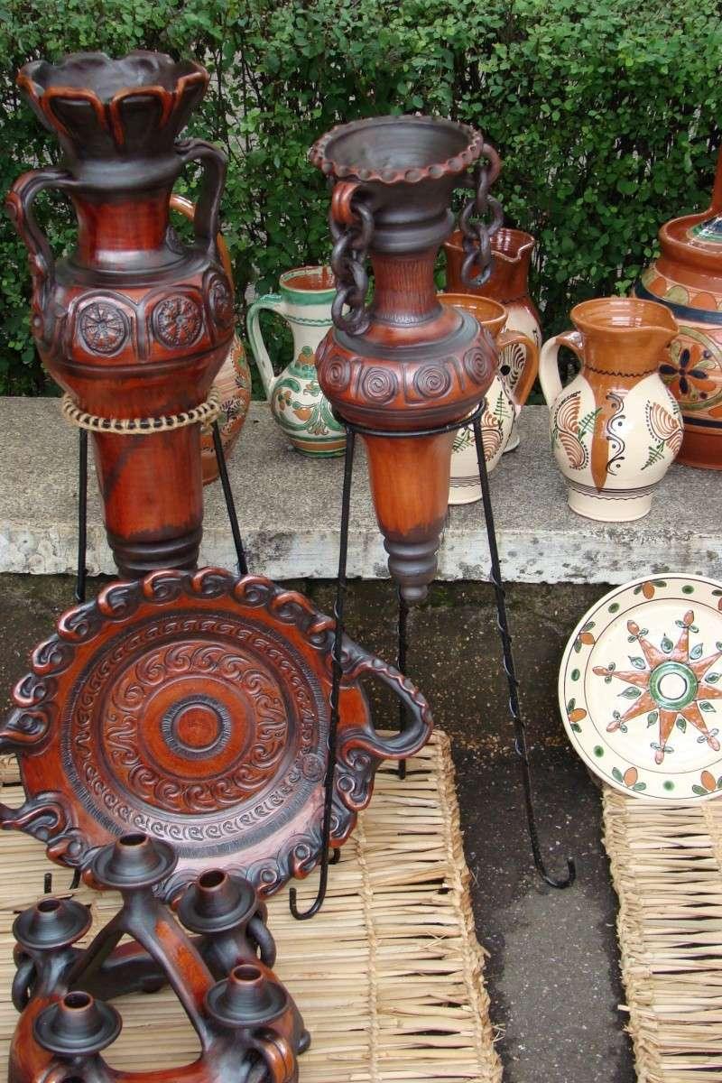 Targul de Arta Ceramica Cucuteni 5000-iunie 2010 Targul52