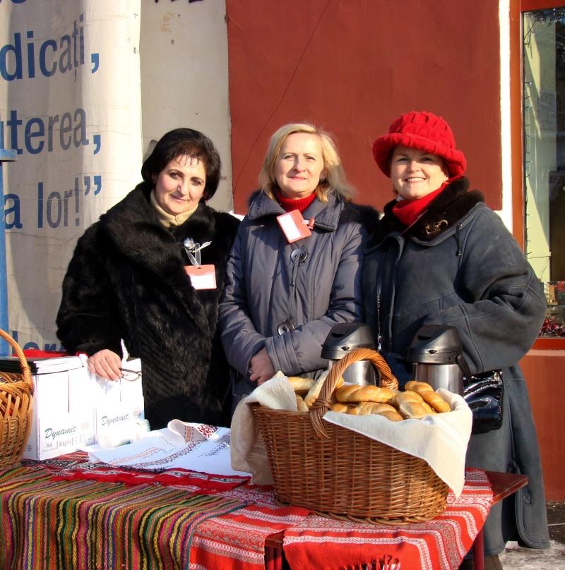 TRADIŢII PE ULIŢA LĂPUŞNEANU-19 decembrie 2010. Tradit32