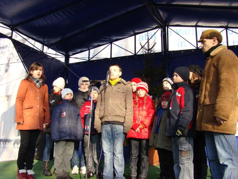 TRADIŢII PE ULIŢA LĂPUŞNEANU-19 decembrie 2010. Tradit44