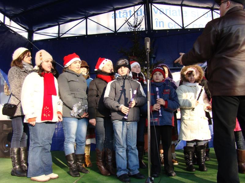 TRADIŢII PE ULIŢA LĂPUŞNEANU-19 decembrie 2010. Tradit48