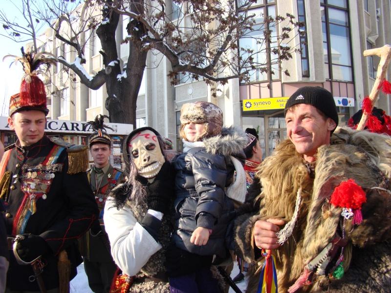 TRADIŢII PE ULIŢA LĂPUŞNEANU-19 decembrie 2010. Tradit52