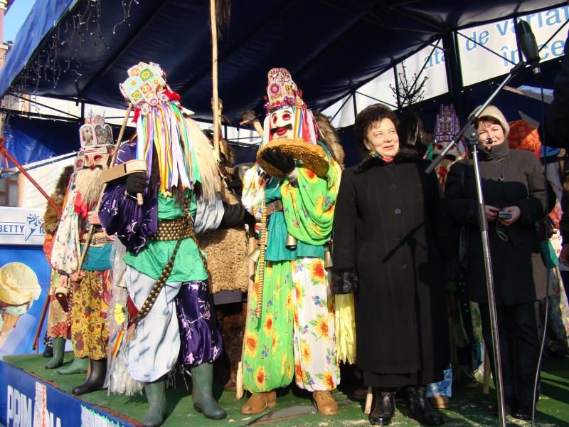 TRADIŢII PE ULIŢA LĂPUŞNEANU-19 decembrie 2010. Tradit58