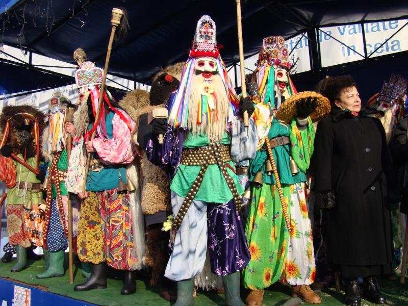 TRADIŢII PE ULIŢA LĂPUŞNEANU-19 decembrie 2010. Tradit59