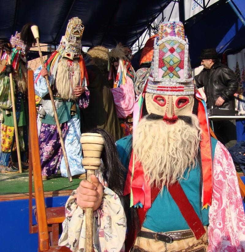 TRADIŢII PE ULIŢA LĂPUŞNEANU-19 decembrie 2010. Tradit64