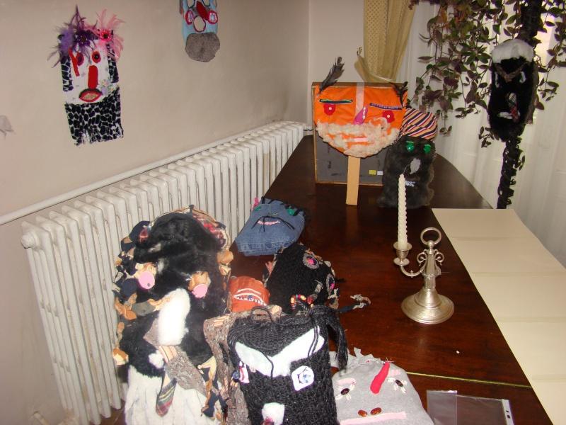 """11 Decembrie 2010- Sedinta a VIII-a a Cenaclului U.P.-Lansare de carte """"Dincolo de cer""""-Violetta Petre Violet11"""