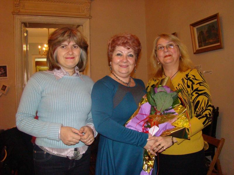 """11 Decembrie 2010- Sedinta a VIII-a a Cenaclului U.P.-Lansare de carte """"Dincolo de cer""""-Violetta Petre Violet14"""