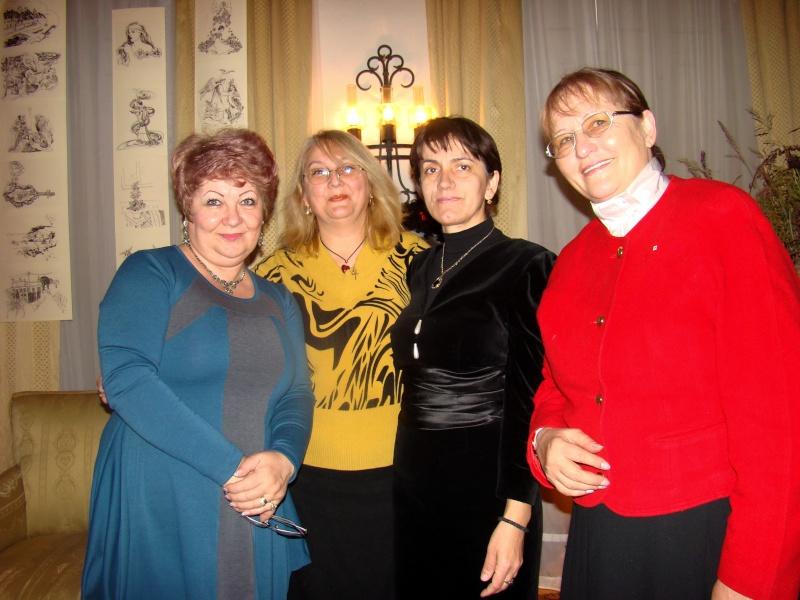 """11 Decembrie 2010- Sedinta a VIII-a a Cenaclului U.P.-Lansare de carte """"Dincolo de cer""""-Violetta Petre Violet16"""