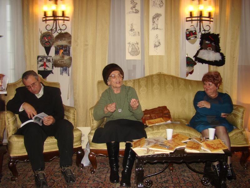 """11 Decembrie 2010- Sedinta a VIII-a a Cenaclului U.P.-Lansare de carte """"Dincolo de cer""""-Violetta Petre Violet18"""