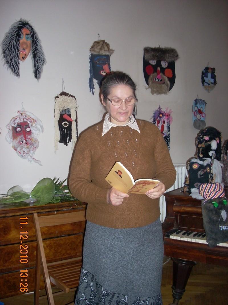 """11 Decembrie 2010- Sedinta a VIII-a a Cenaclului U.P.-Lansare de carte """"Dincolo de cer""""-Violetta Petre Violet21"""