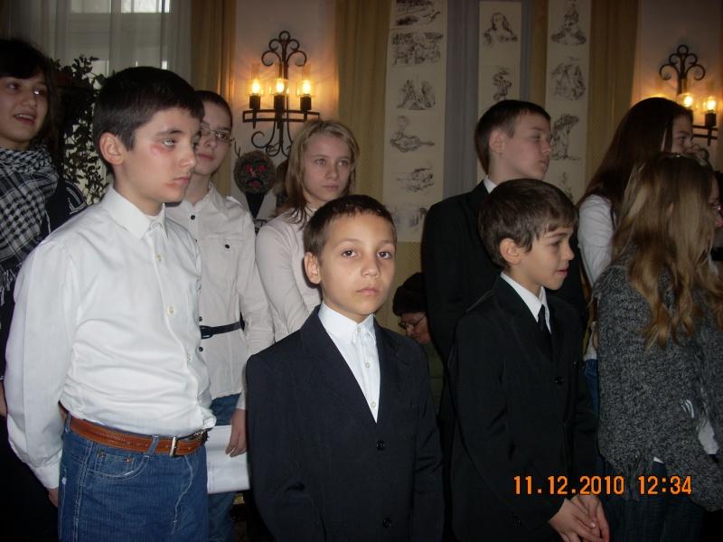 """11 Decembrie 2010- Sedinta a VIII-a a Cenaclului U.P.-Lansare de carte """"Dincolo de cer""""-Violetta Petre Violet40"""