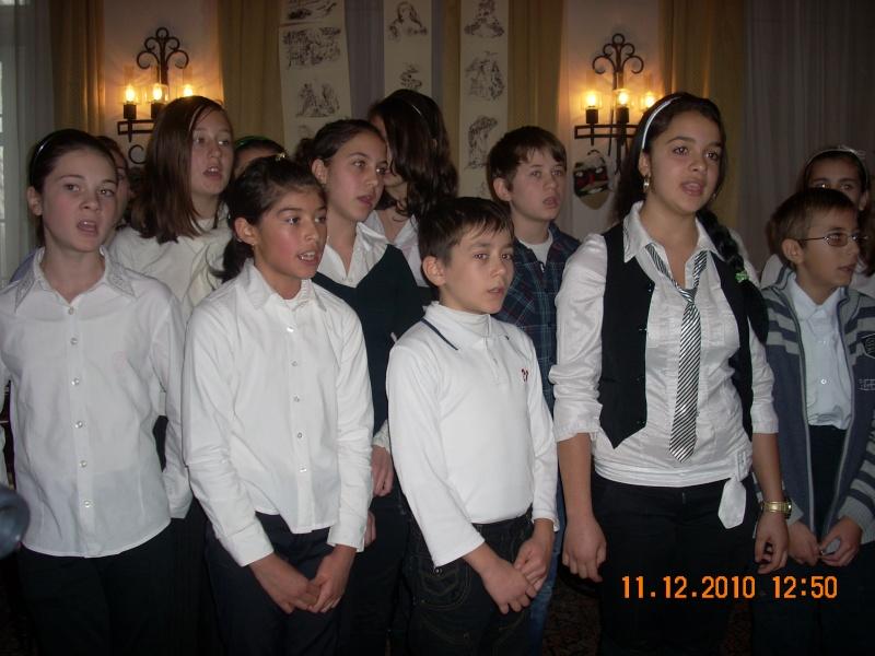 """11 Decembrie 2010- Sedinta a VIII-a a Cenaclului U.P.-Lansare de carte """"Dincolo de cer""""-Violetta Petre Violet48"""
