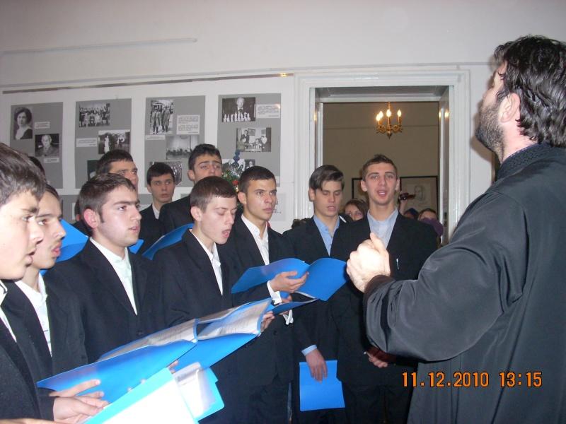 """11 Decembrie 2010- Sedinta a VIII-a a Cenaclului U.P.-Lansare de carte """"Dincolo de cer""""-Violetta Petre Violet53"""