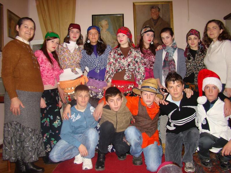 """11 Decembrie 2010- Sedinta a VIII-a a Cenaclului U.P.-Lansare de carte """"Dincolo de cer""""-Violetta Petre Violet56"""