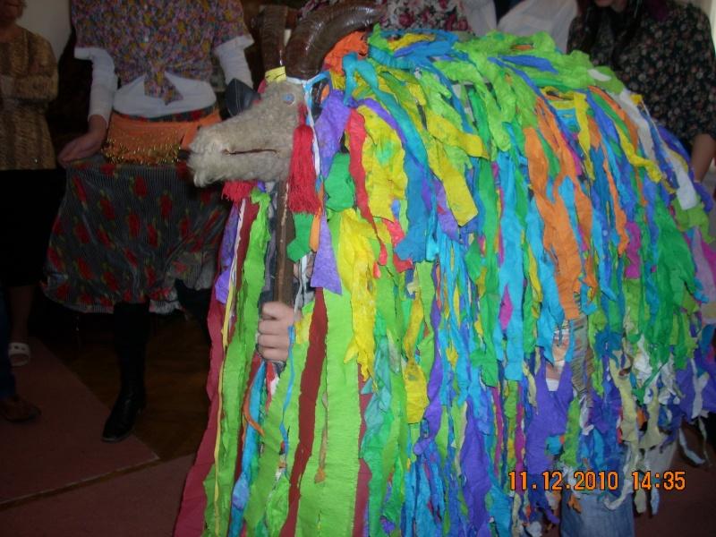 """11 Decembrie 2010- Sedinta a VIII-a a Cenaclului U.P.-Lansare de carte """"Dincolo de cer""""-Violetta Petre Violet62"""