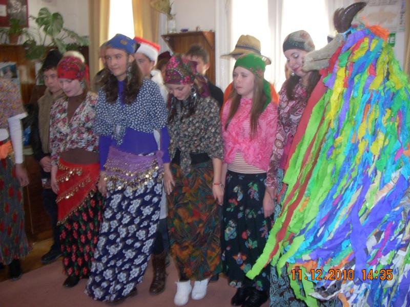 """11 Decembrie 2010- Sedinta a VIII-a a Cenaclului U.P.-Lansare de carte """"Dincolo de cer""""-Violetta Petre Violet63"""