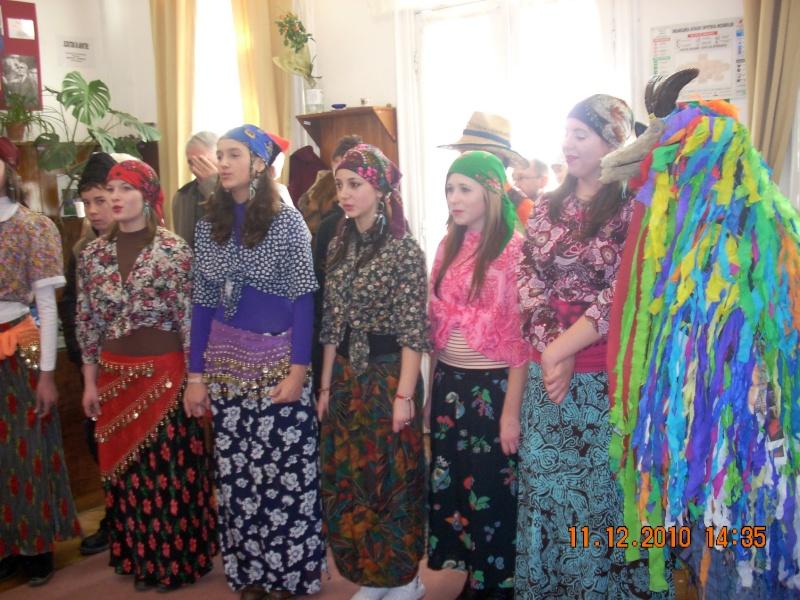 """11 Decembrie 2010- Sedinta a VIII-a a Cenaclului U.P.-Lansare de carte """"Dincolo de cer""""-Violetta Petre Violet64"""