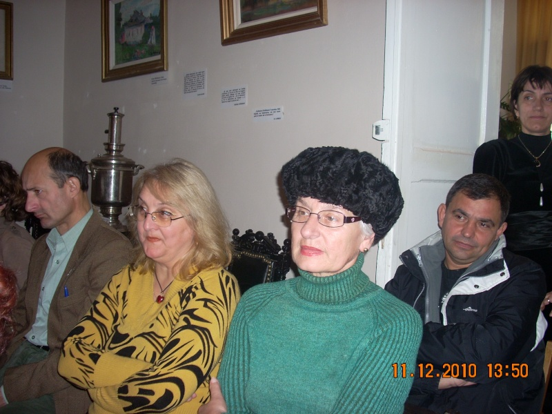 """11 Decembrie 2010- Sedinta a VIII-a a Cenaclului U.P.-Lansare de carte """"Dincolo de cer""""-Violetta Petre Violet69"""