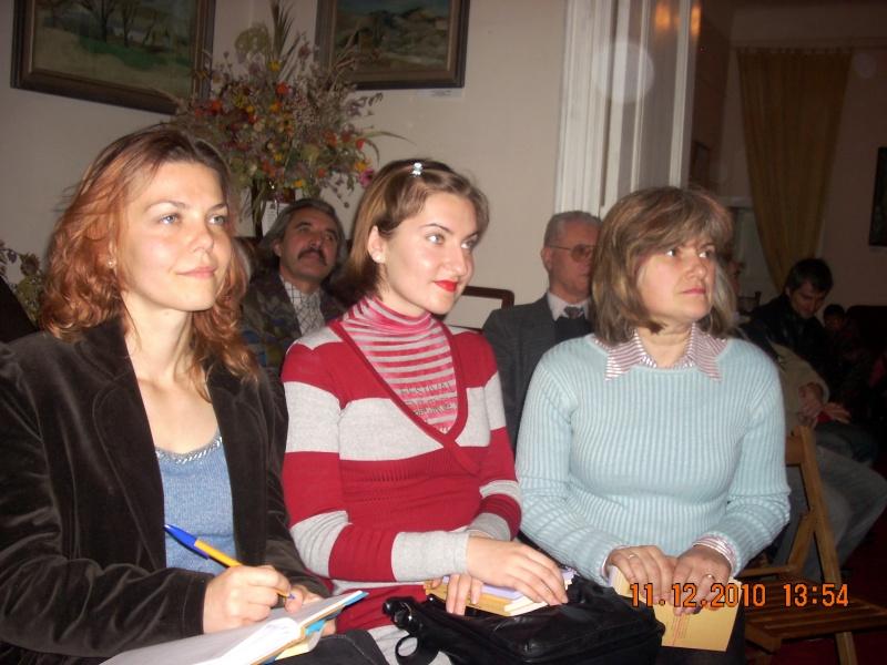 """11 Decembrie 2010- Sedinta a VIII-a a Cenaclului U.P.-Lansare de carte """"Dincolo de cer""""-Violetta Petre Violet72"""