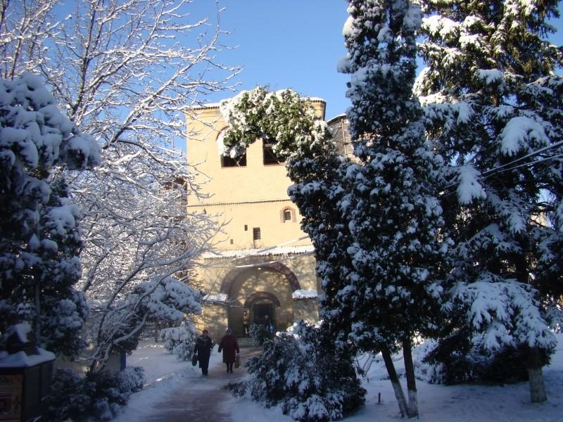 IASI-in vesminte de iarna Zapada22