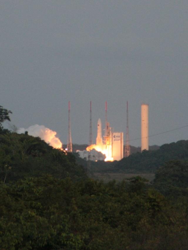 Ariane 5 V199 (Hispasat-1E + Koreasat 6) - 28.12.2010 - Page 3 Img_2810