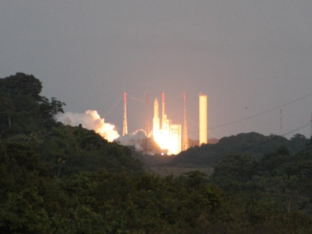 Ariane 5 V199 (Hispasat-1E + Koreasat 6) - 28.12.2010 - Page 3 Img_2811
