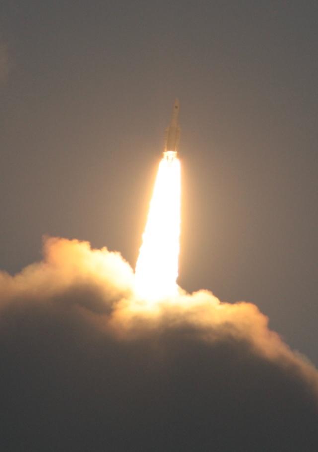 Ariane 5 V199 (Hispasat-1E + Koreasat 6) - 28.12.2010 - Page 3 Img_2813