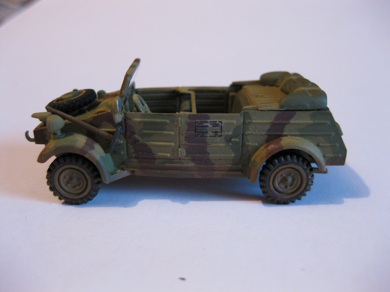 Kubelwagen ,WW.II Ground Vehicle Set [Academy 1/72 ] FINI! - Page 2 Photo191