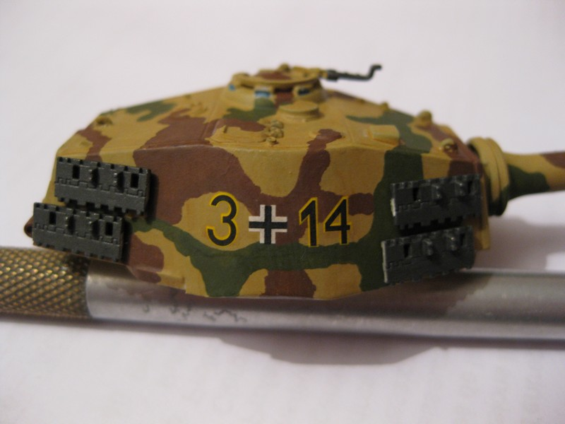 Tiger II Ausf. B Production Turret [Revell, 1/72 ]: FINI! (Ouf!) - Page 4 Photo370