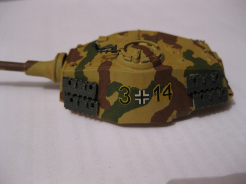 Tiger II Ausf. B Production Turret [Revell, 1/72 ]: FINI! (Ouf!) - Page 4 Photo371