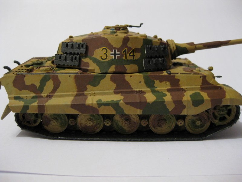 Tiger II Ausf. B Production Turret [Revell, 1/72 ]: FINI! (Ouf!) - Page 4 Photo376