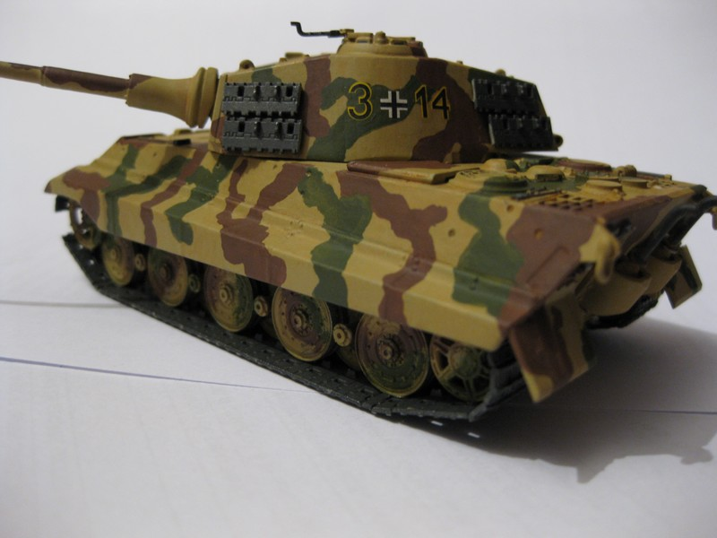 Tiger II Ausf. B Production Turret [Revell, 1/72 ]: FINI! (Ouf!) - Page 4 Photo378