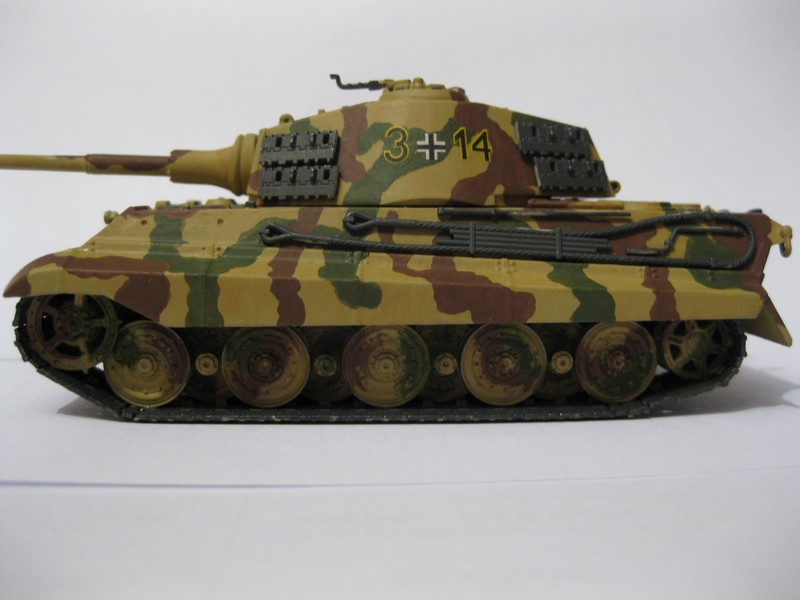 Tiger II Ausf. B Production Turret [Revell, 1/72 ]: FINI! (Ouf!) - Page 4 Photo389