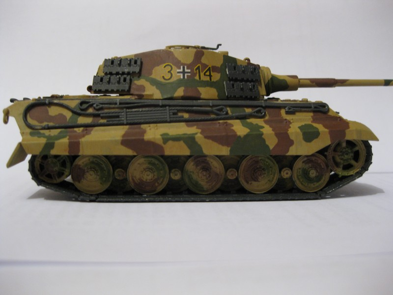 Tiger II Ausf. B Production Turret [Revell, 1/72 ]: FINI! (Ouf!) - Page 4 Photo390