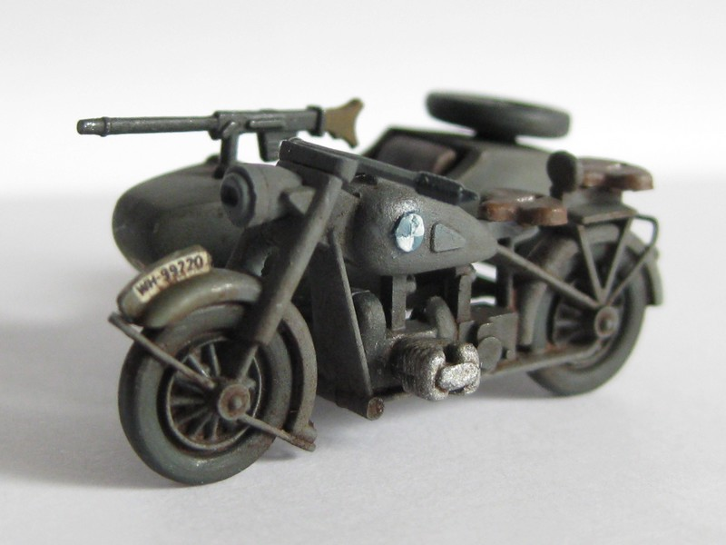 BMW R-75 Side-car [Hasegawa ; 1/72]: une petite chose. Photo430
