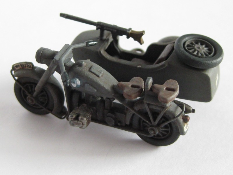 BMW R-75 Side-car [Hasegawa ; 1/72]: une petite chose. Photo432