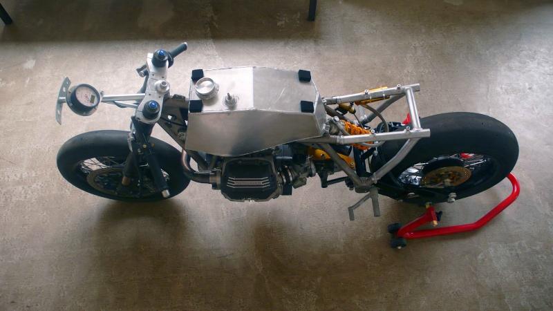 Guzzi SP-R1000de Ram77 (sujet déplacé de Guzzi l'essentiel) - Page 3 Moto-g20