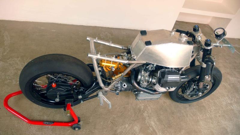 Guzzi SP-R1000de Ram77 (sujet déplacé de Guzzi l'essentiel) - Page 3 Moto-g21