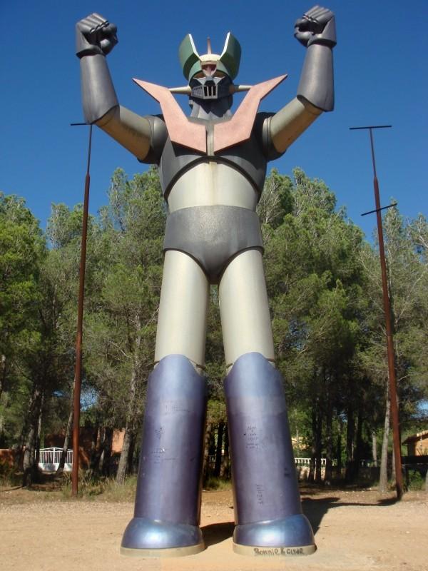 Mazinger Z : statue, fresque,... Z110