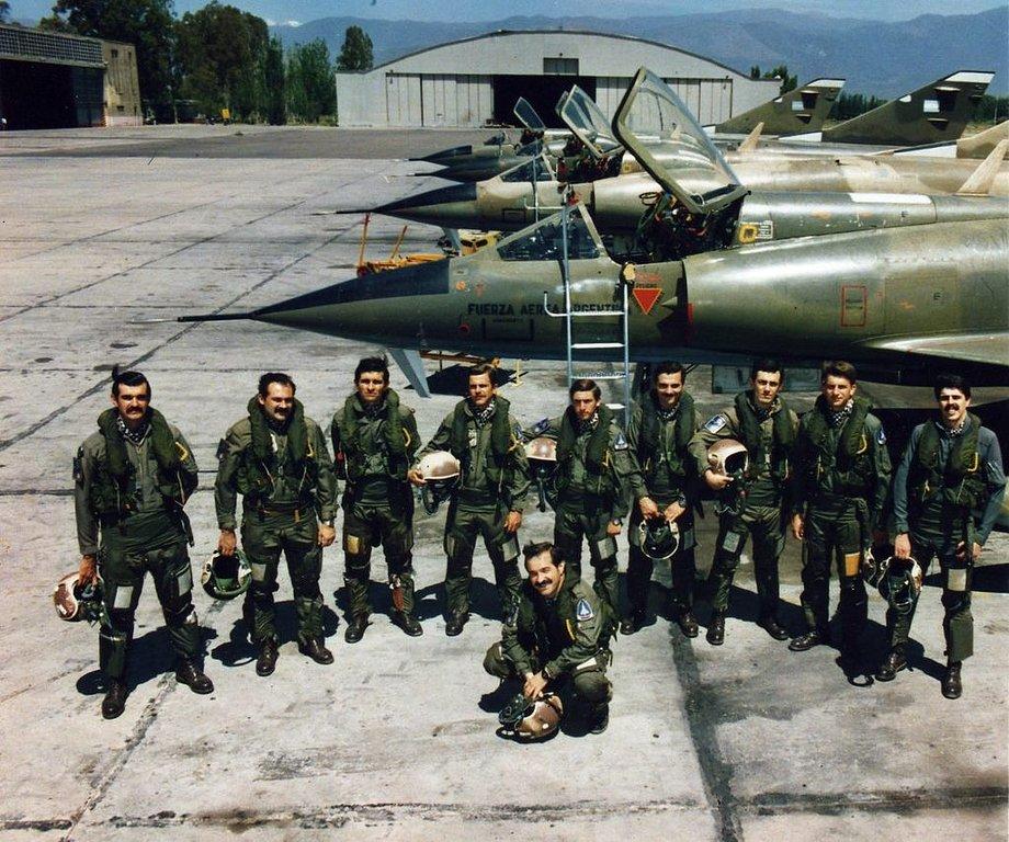 Mirage III CJ  F.A.A  Argentina (HELLER  1/48) 9a35b310