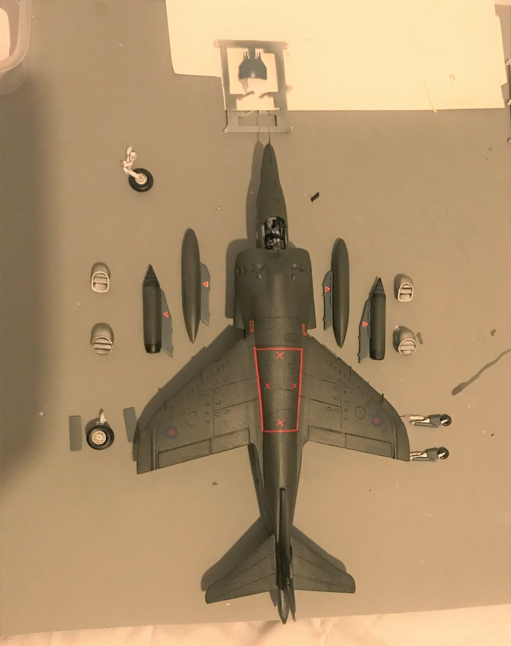 H.S.  HARRIER GR 3    ( AIRFIX  1/48)  FINI - Page 3 Img_0135