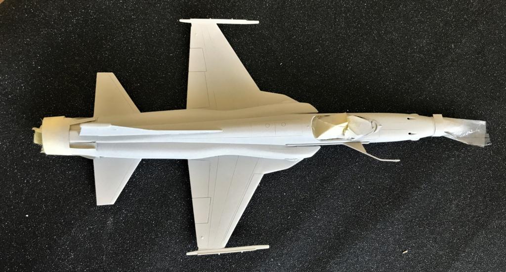 Northrop F 5 E   (Monogram / Revell   1/48)  FINI - Page 2 Img_2219