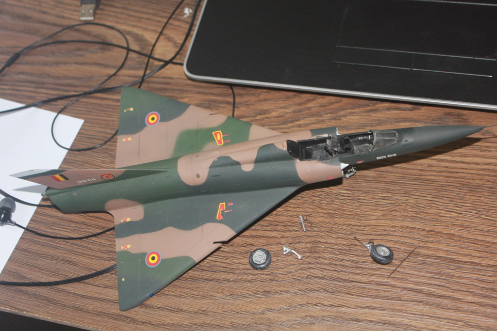 Mirage V Belgium  (restauration d'un Heller au 1/48) Img_4043