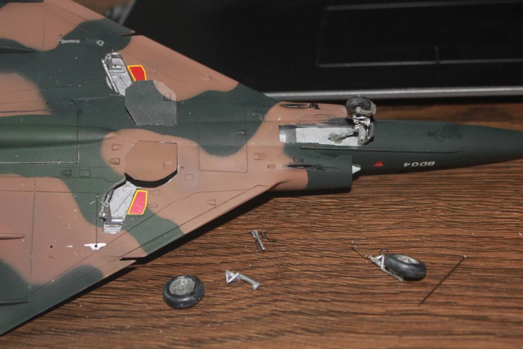 Mirage V Belgium  (restauration d'un Heller au 1/48) Img_4044