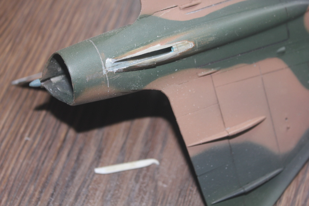Mirage V Belgium  (restauration d'un Heller au 1/48) Img_4210