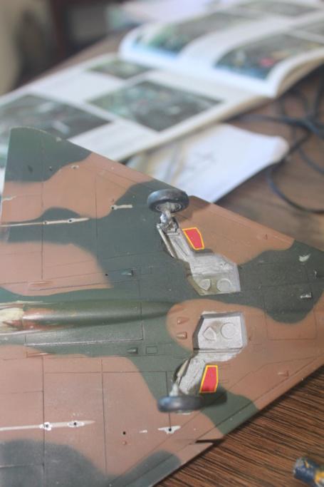 Mirage V Belgium  (restauration d'un Heller au 1/48) Img_4231