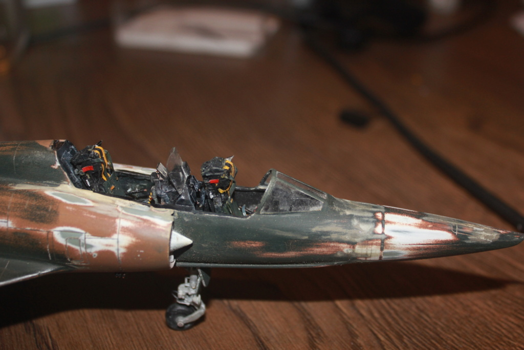 Mirage V Belgium  (restauration d'un Heller au 1/48) Img_4316