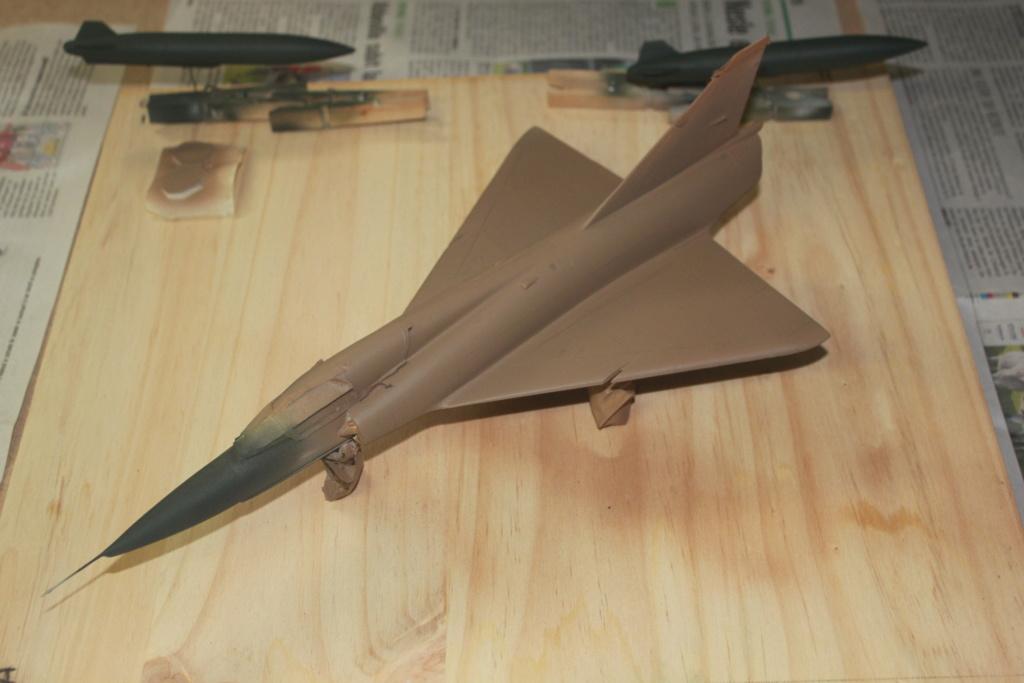 Mirage V Belgium  (restauration d'un Heller au 1/48) - Page 2 Img_4410