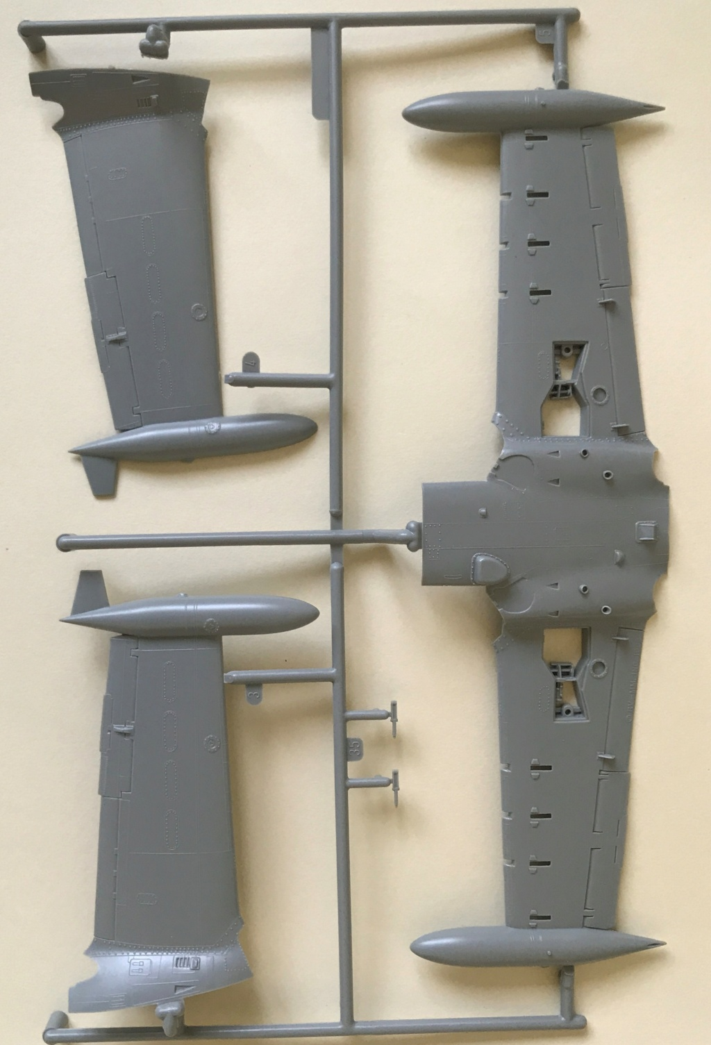 A 37 Dragonfly   (MONOGRAM  1/48) Img_4542