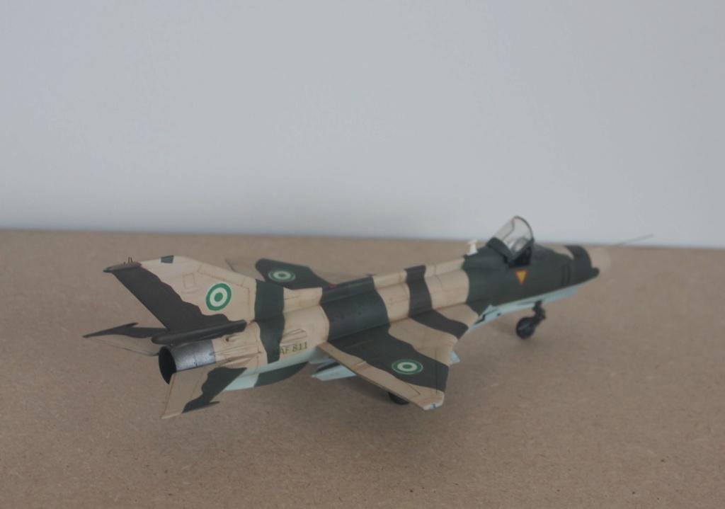 Chengdu F7  (maquette AA 1/48) Img_4711