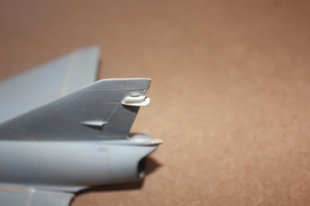 "Mirage III RZ   (Heller + transkit ""Ouragan M25"" 1/48)  FINI Img_5277"
